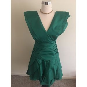 Vintage Classic Emerald Green Semi Formal Gown